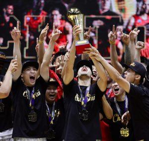 Tân HLV Matthew Van Pelt đặt mục tiêu đưa Saigon Heat góp mặt ở chung kết VBA 2021.