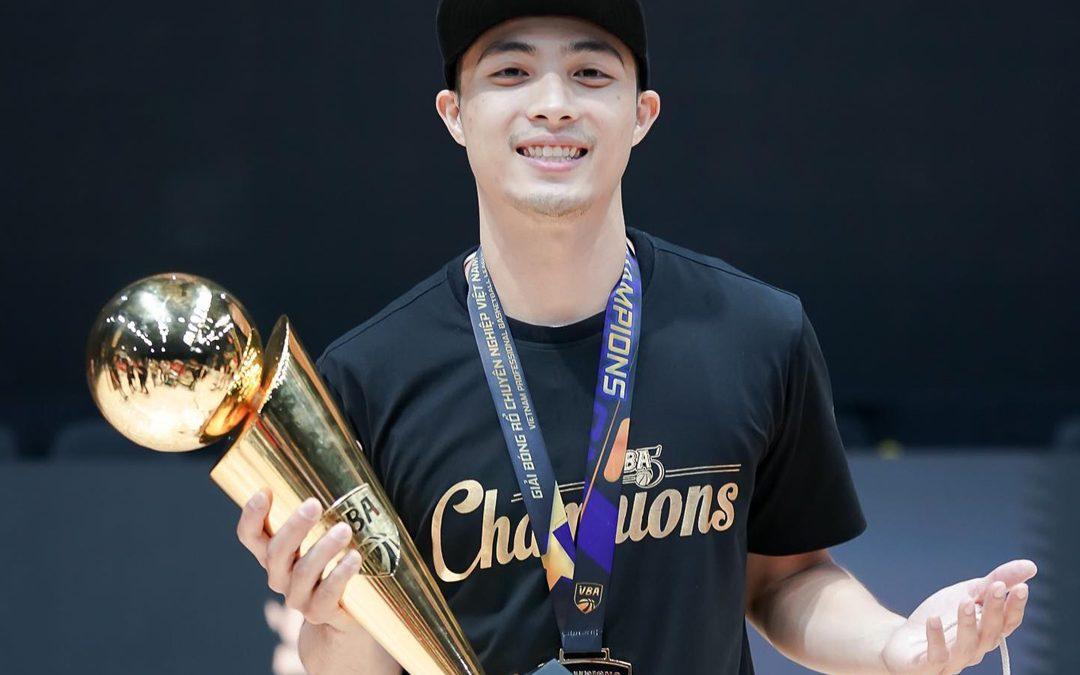 """Lê Quang: Chàng """"lão tướng sinh viên"""" đặc biệt của Saigon Heat ở đấu trường VBA"""